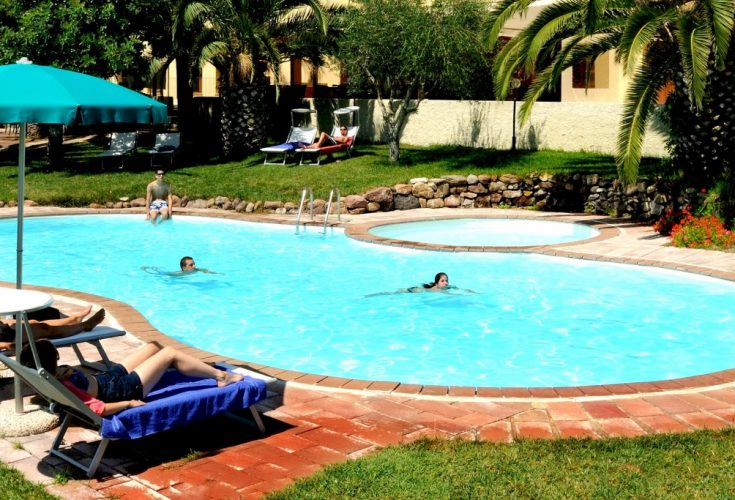 03-Alghero_Resort_Country_Hotel-La-Piscina-001-1024x683